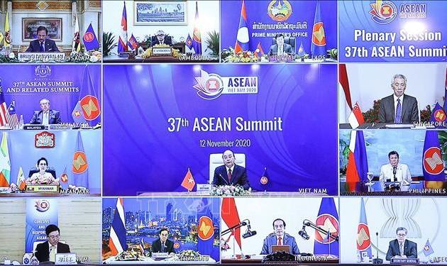 Премьер-министр Малайзии поддержал мирное урегулирование споров в районе Восточного моря