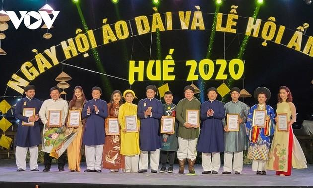 Завершился праздник традиционного женского платья «Аозай» и фестиваль кухни города Хюэ