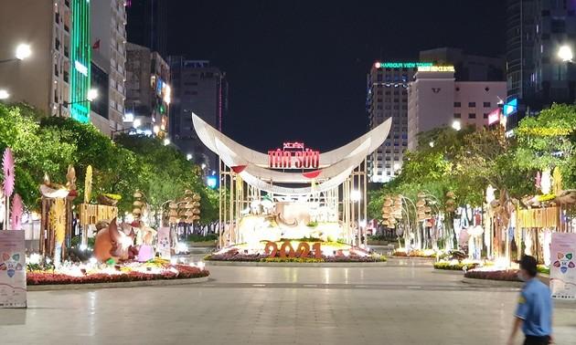 Вьетнамцы за границей встретили лунный новый год 2021
