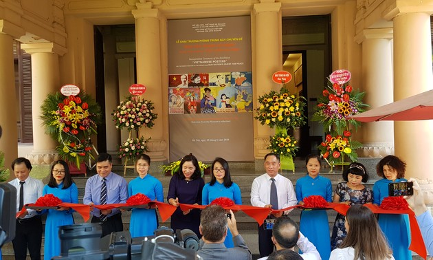 Vietnam Fine Arts Museum opens propaganda painting collection