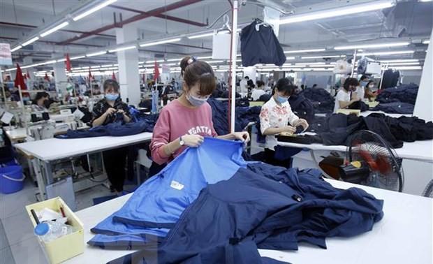 Vietnam's trade surplus hits 4 billion USD in H1