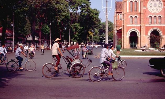 Interesting photos showcase Saigon traffic in 1989