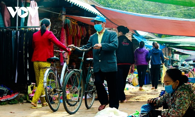 Traditional Tet rural market offers festive vibes