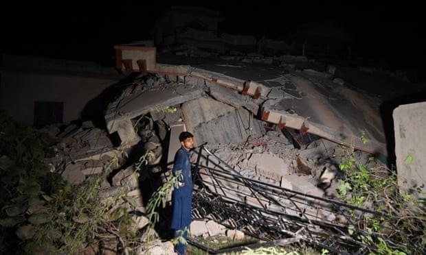 Pakistan earthquake leaves 19 dead and 300 injured in Kashmir region