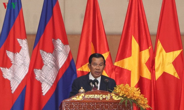 Overseas Vietnamese celebrate Tet in Cambodia, Czech Republic