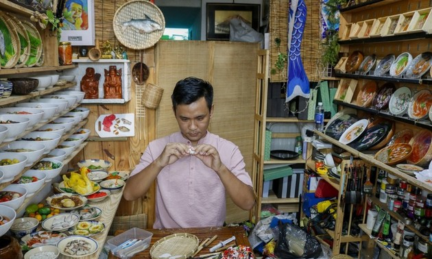 Unique Tet trays showcase national delicacies made from clay