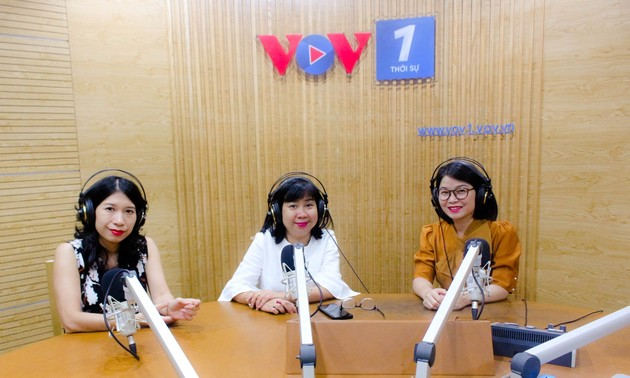 VOV's female foreign desk journalists