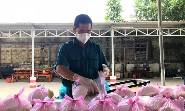 Mekong Delta militiaman serves as role model in COVID-19 fight