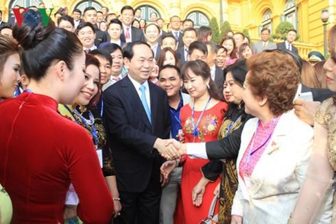 Chủ tịch nước Trần Đại Quang gặp mặt 115 doanh nhân tiêu biểu