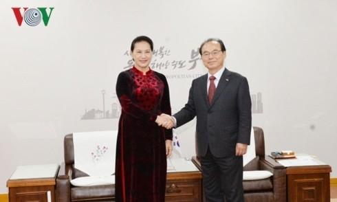 Chủ tịch Quốc hội Nguyễn Thị Kim Ngân tiếp Thị trưởng thành phố Busan, Hàn Quốc