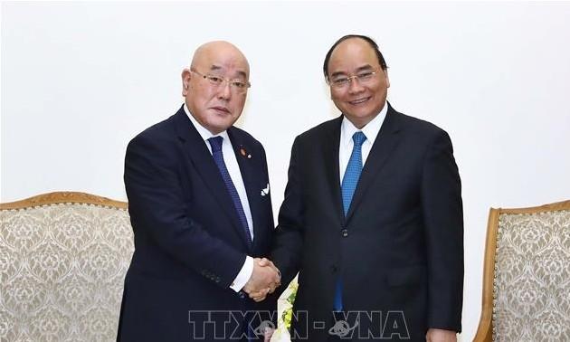 Thủ tướng Nguyễn Xuân Phúc tiếp cố vấn nội các đặc biệt của Thủ tướng Nhật Bản Isao Iijima
