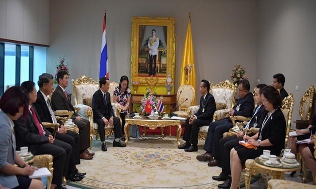 Phó Chủ tịch - Tổng Thư ký Uỷ ban Trung ương Mặt trận Tổ quốc Việt Nam Hầu A Lềnh thăm và làm việc tại Thái Lan