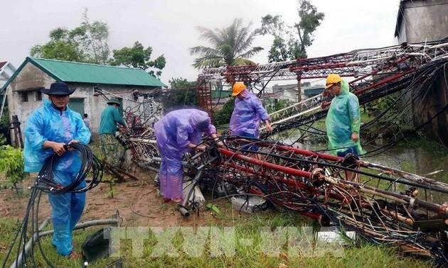 Bão Molave gây thiệt hại về người và tài sản, các địa phương tiếp tục công tác phòng, chống mưa lũ