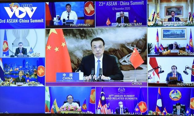 Trung Quốc cùng ASEAN đề cao hòa bình, thông qua đối thoại và hiệp thương giải quyết các tranh chấp
