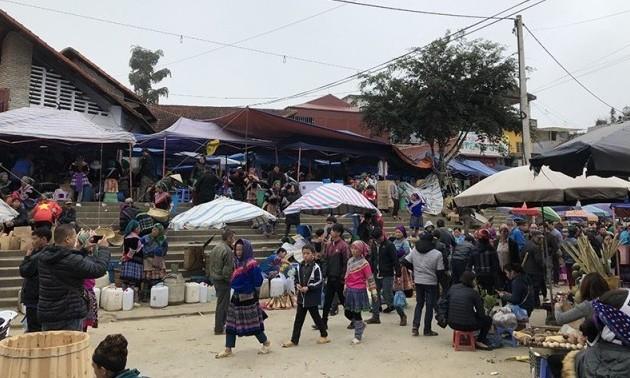 Tư vấn cho thính giả về văn hóa Việt và các địa điểm du lịch