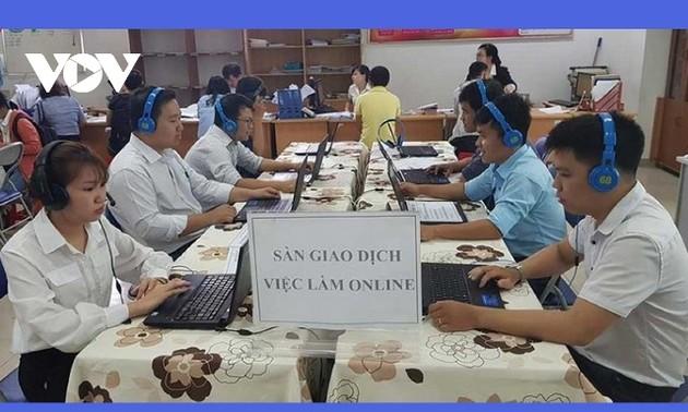 Phiên giao dịch việc làm trực tuyến kết nối 6 tỉnh miền Trung