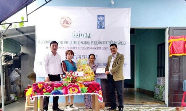 UNDP bàn giao nhà an toàn chống bão lụt cho hộ nghèo ở Quảng Nam
