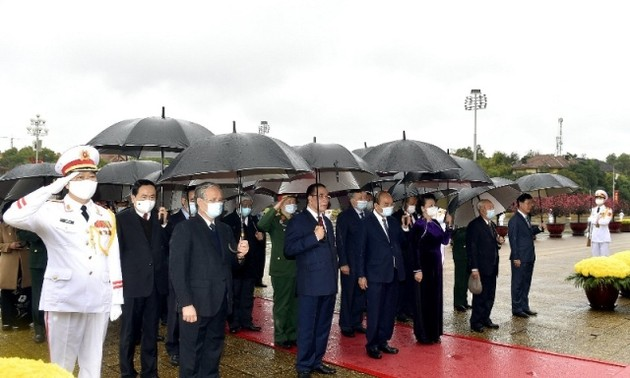 Lãnh đạo Đảng, Nhà nước vào Lăng viếng Chủ tịch Hồ Chí Minh nhân dịp Tết Nguyên đán Tân Sửu