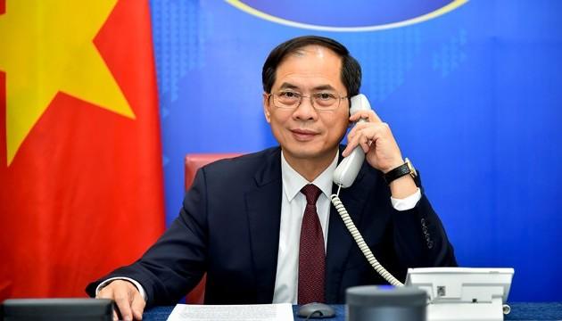 Bộ trưởng Ngoại giao Bùi Thanh Sơn điện đàm với Bộ trưởng Ngoại giao Ba Lan Zbigniew Rau