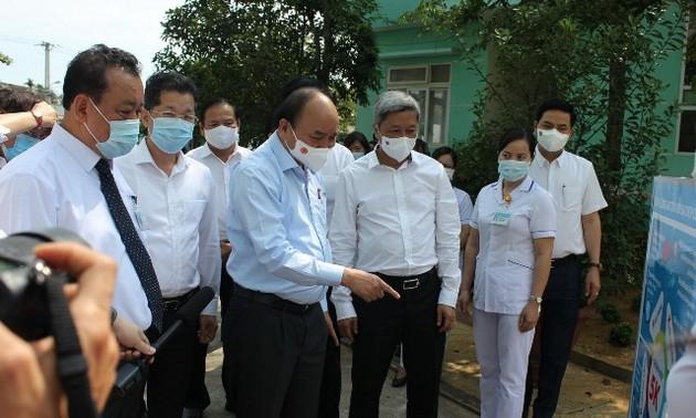 Chủ tịch nước Nguyễn Xuân Phúc kiểm tra công tác phòng chống dịch COVID-19 tại Đà Nẵng