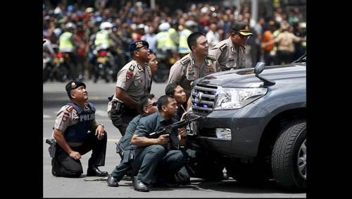Cadena de atentados suicidas en Indonesia y Turquía