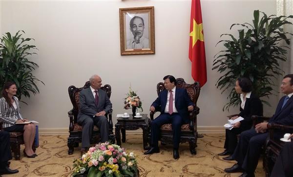 Vietnam valora altamente contribuciones de la embajada de Rusia