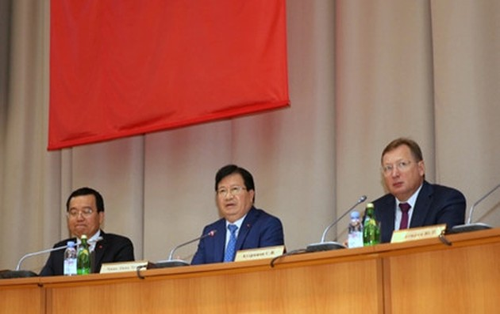 Vietnam se compromete a facilitar inversores extranjeros en materia de petróleo