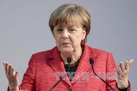 """Angela Merkel pide calma tras la acusación de """"prácticas nazis"""" del presidente turco"""