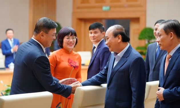Urgen a los jefes de misión de Vietnam en el extranjero a buscar recursos para el desarrollo nacional