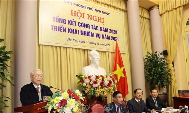 Revisan los trabajos de la Oficina de la Presidencia de Vietnam