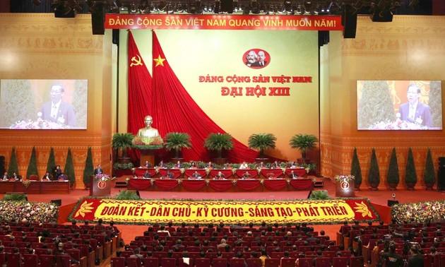Partido Comunista de Vietnam recibe más felicitaciones de amigos del mundo