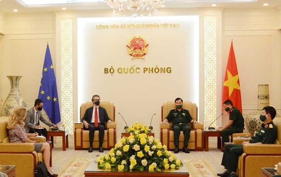 Vietnam y la Unión Europea buscan fortalecer la cooperación en defensa