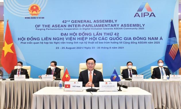 Presidente del Parlamento vietnamita insiste en la importancia de la conexión digital dentro de la Asean