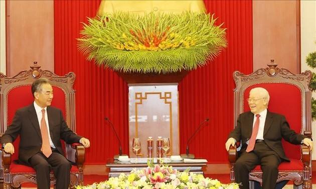 Dirigentes de Vietnam reciben al canciller chino