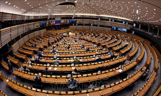 Les législateurs de l'UE souhaitent superviser la mise en œuvre de l'accord entre l'UE et le Royaume-Uni