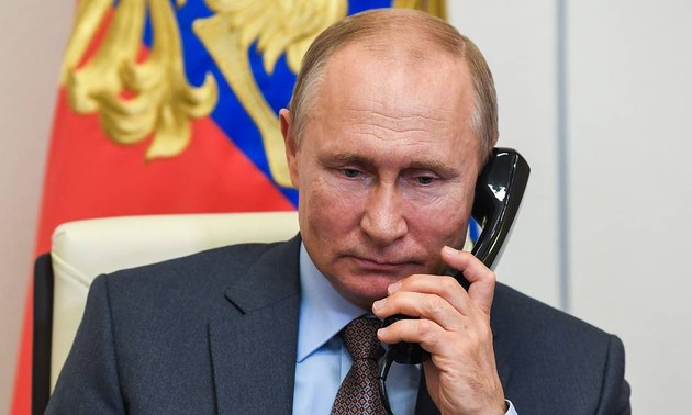 Premier entretien téléphonique entre Joe Biden et Vladimir Poutine