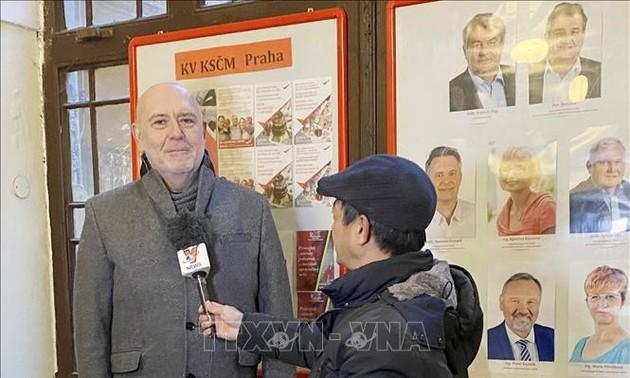 Un parlementaire tchèque se déclare confiant dans le succès du 13e Congrès national du PCV