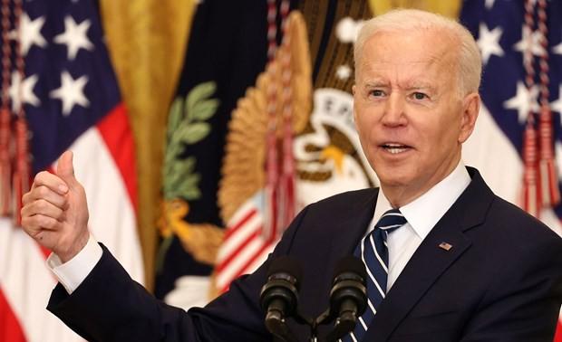 Joe Biden défend son bilan dans une première conférence de presse en 65 jours