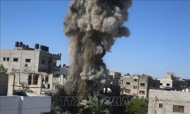 Conflit israélo-palestinien: Mahmoud Abbas appelle à mettre fin aux frappes israéliennes aériennes sur Gaza