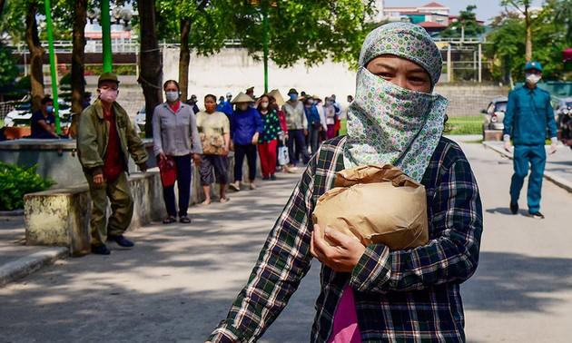 Hanoï fournit de la nourriture aux travailleurs pauvres