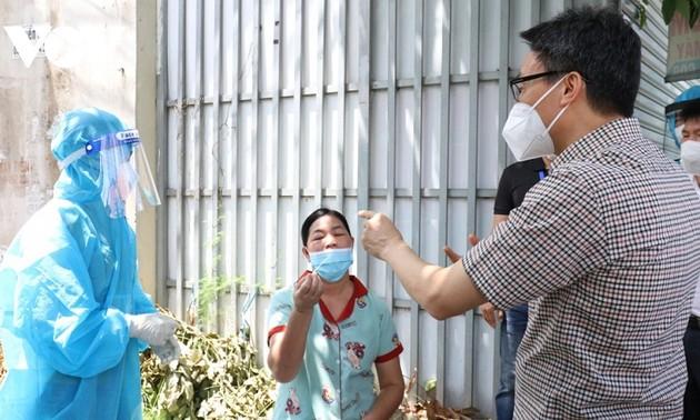 Covid-19: Vu Duc Dam examine les dispositifs préventifs à Binh Duong