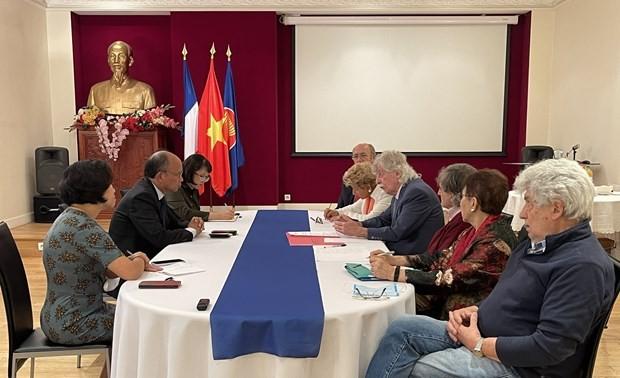 L'Association d'amitié franco-vietnamienne continue de soutenir le peuple vietnamien