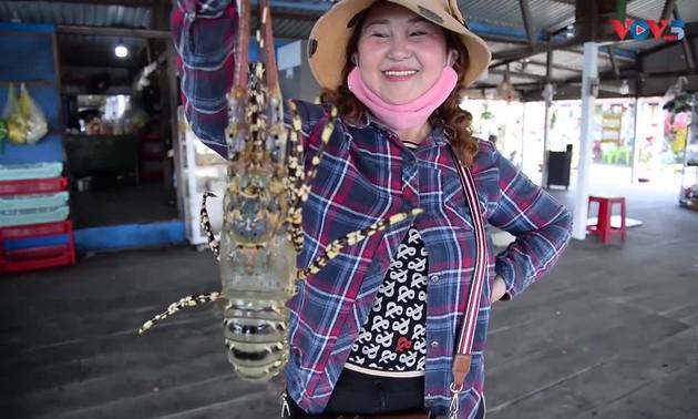 เที่ยวเกาะบิ่งห์บาลองเมนูอาหารทะเลโดยเฉพาะกุ้งมังกร