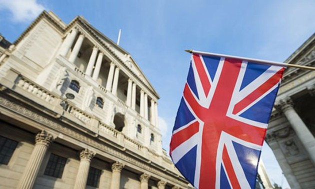 Bank of England cuts interest rate to 0.1%
