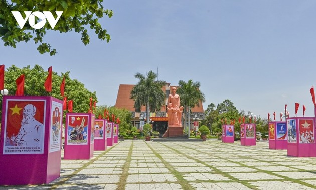 Activities mark 110th anniversary of Ho Chi Minh's journey for national independence