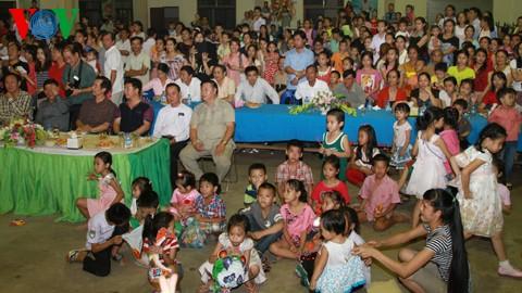 Tưng bừng lễ hội trăng rằm trên đất Lào