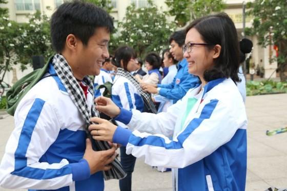 Hơn 100 thanh niên sang Lào hoạt động tình nguyện