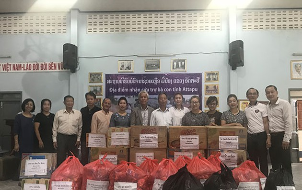 Người Việt tại Trung Lào ủng hộ người dân do sự cố vỡ đập thủy điện