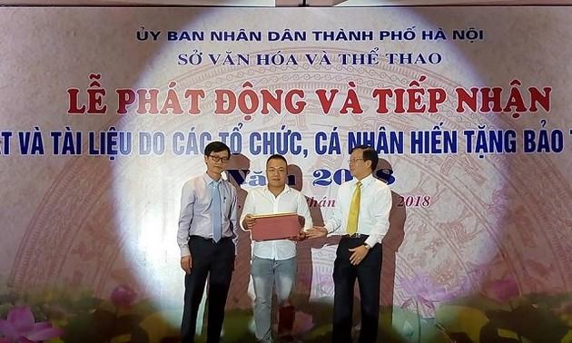 Bảo tàng Hà Nội tiếp nhận hơn 1.000 tư liệu, hiện vật do tổ chức, cá nhân hiến tặng