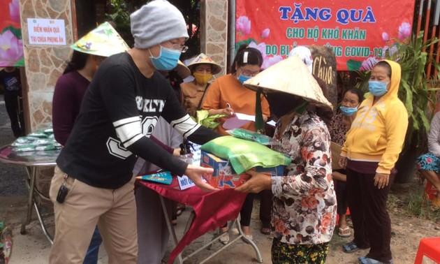 Hội Phật tử Việt Nam tại Hàn quốc tặng quà hỗ trợ người nghèo